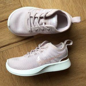 Nike Shoes - Nike Dualtone Racer LIKE NEW